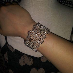 NWOT Floral Silver Bracelet